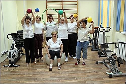Пожилых красноярцев пригласили в спортзал