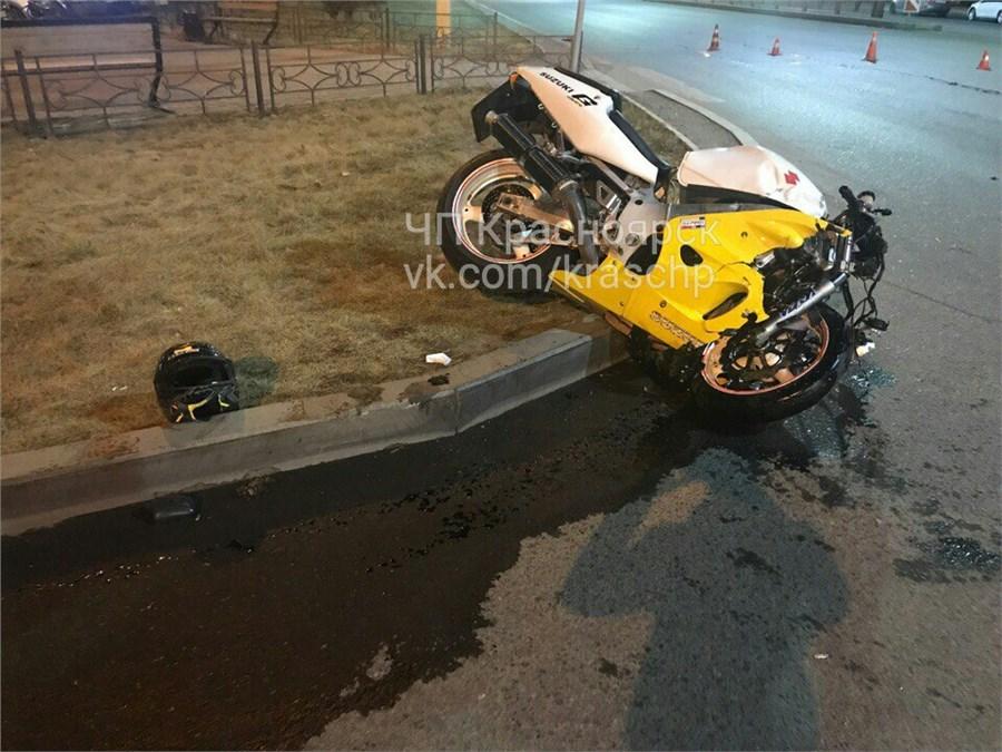 ВДТП наулице Молокова мотоциклист врезался в Хонда
