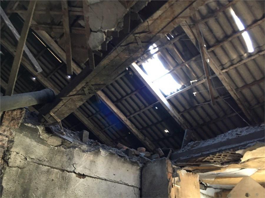 Следователи начали проверку пофакту погибели ребенка вобрушившемся доме вХакасии