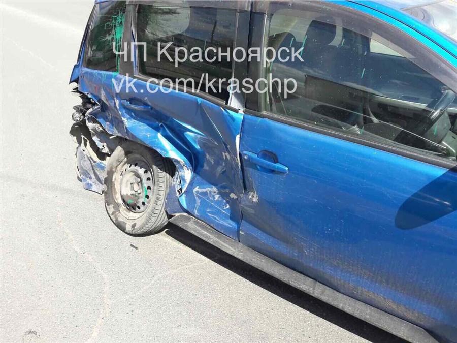 ВКрасноярске при ДТП пострадала 68-летняя автоледи