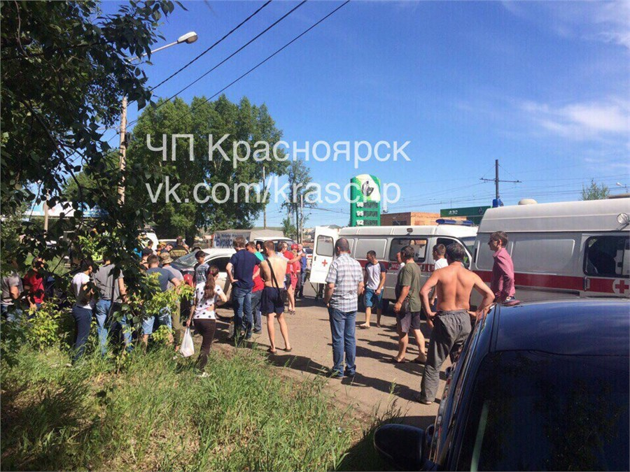 4 человека пострадали в ужасной автоаварии вКрасноярске