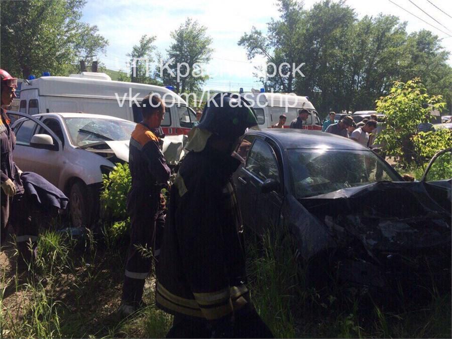 4 человека пострадали вжестком лобовом ДТП вКрасноярске