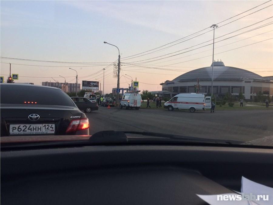 ВКрасноярске вДТП пострадали 4 человека