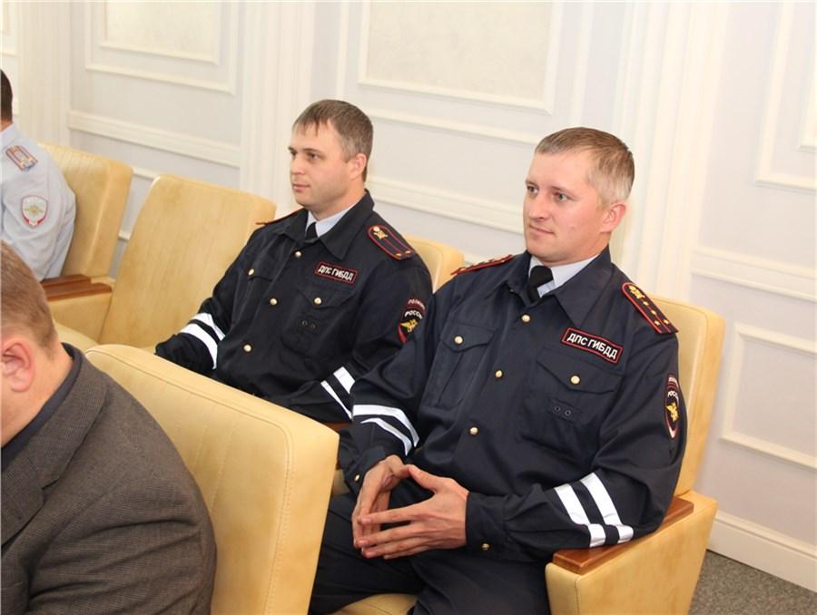 Нетрезвый красноярец пытался дать инспекторам взятку в97 тыс. руб.