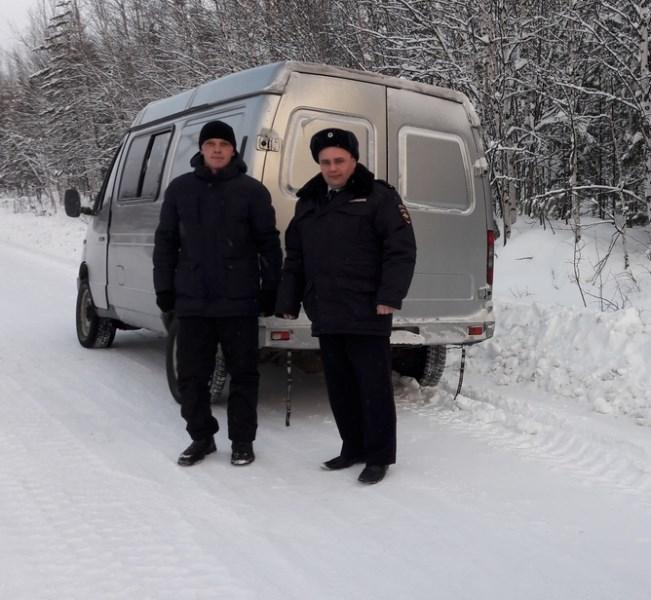 ВКрасноярском крае работники ДПС спасли замерзавшего натрассе водителя
