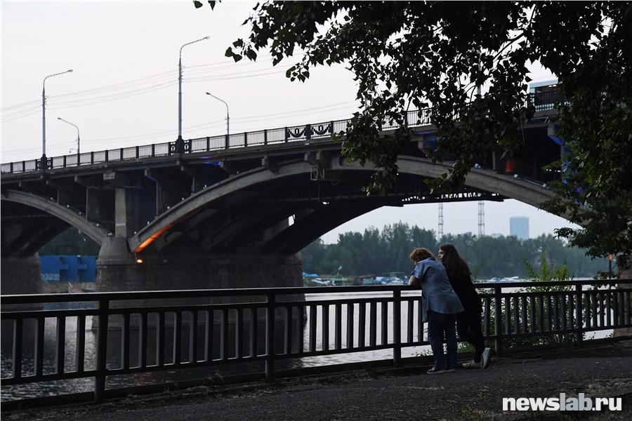 ВКрасноярске протестировали новейшую подсветку Коммунального моста