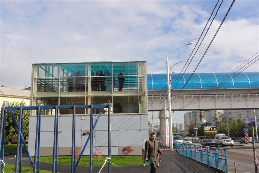 a217c6256 Пешеходный мост у ТРЦ «Июнь» в Красноярске откроют в октябре ...