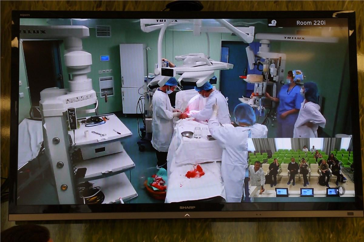 Прямая видеотрансляция операции в