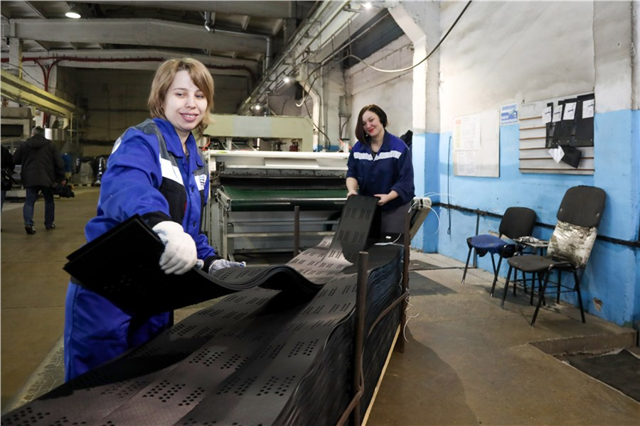 Работа моделью в дивногорск приглашение на рабство или требуются девушки для работы в японии