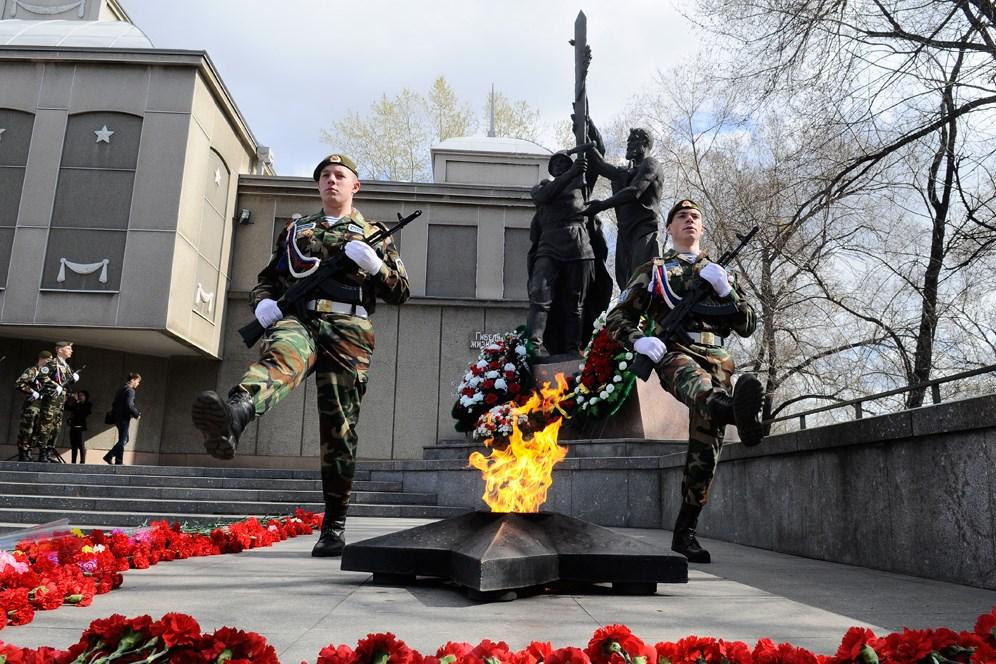 http://s.newslab.ru/photoalbum/5241/60640.jpg